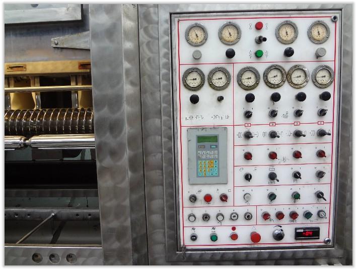 包括电机直流调速器,脉宽直流调速器,可控硅直流调速器等,一般为模块